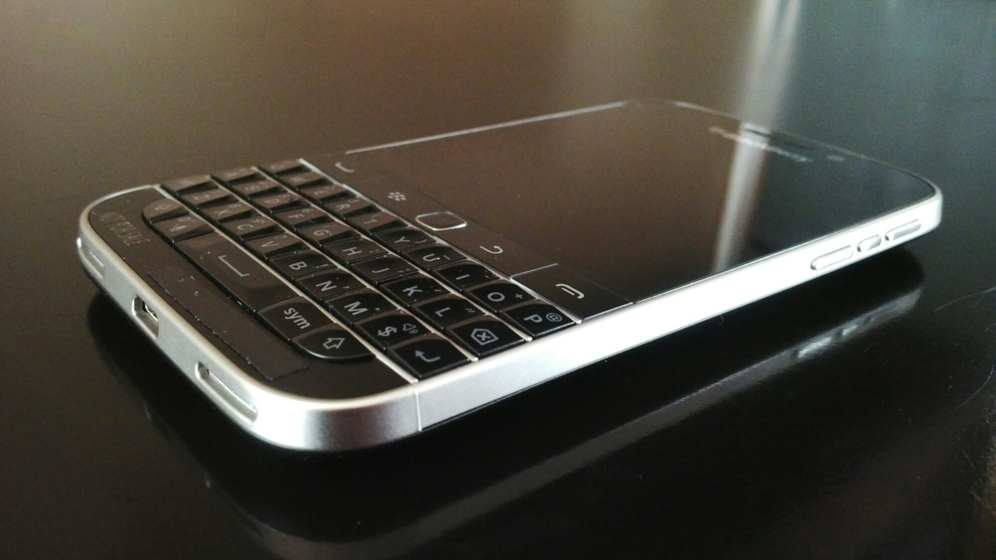 12 Forever Classic Features: BlackBerry Classic Final Specs « KPODSM